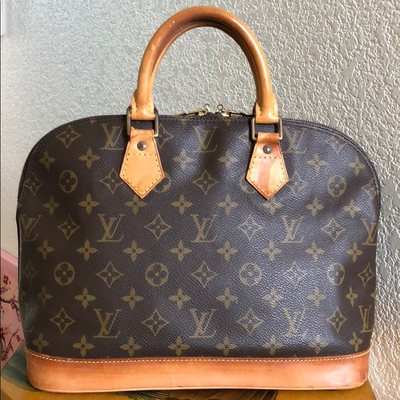 0a65aec8dca2 Louis Vuitton Handbags - 🔴SALE! Authentic LV Alma Handbag